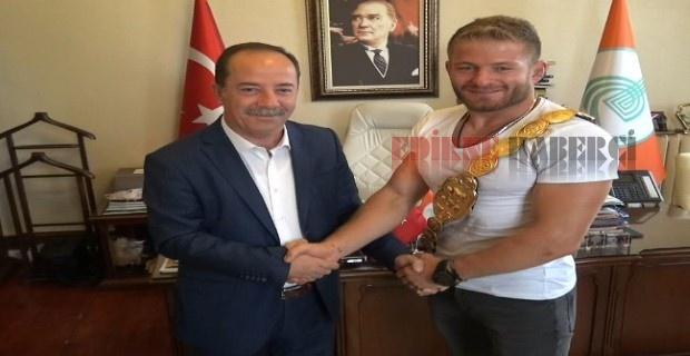 Başpehlivan'dan Gürkan'a ziyaret!
