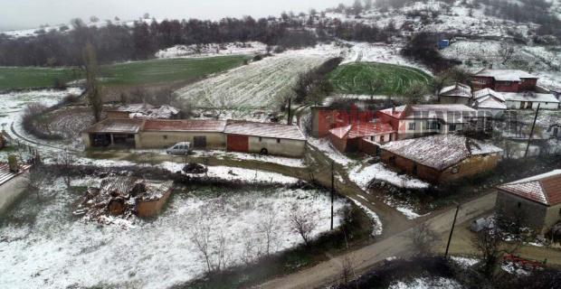Yüksek yerlere kar yağdı!