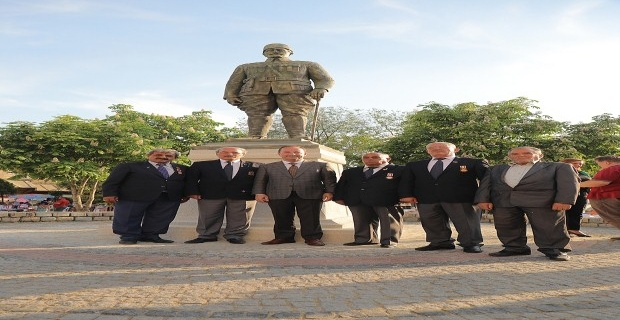 Şehit Yüzbaşı'nın heykeli açıldı!