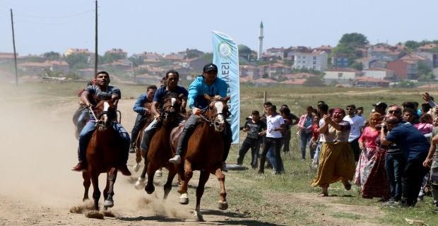 At yarışları yapıldı