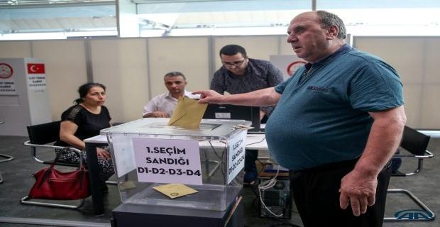 Oy verme işlemi başladı!