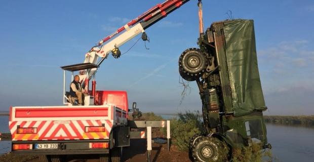 Askeri araç devrildi 5 asker yaralandı!