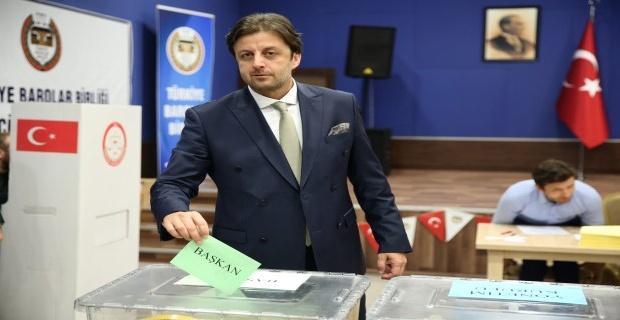 Yeni Baro başkanı Pınar!