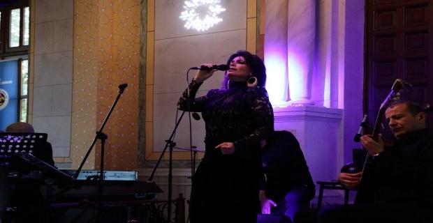 Sinagog'ta Yasmin Levi sesi yankılandı!
