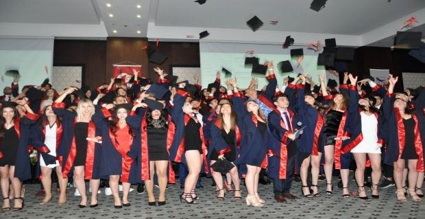 Özel Edirne Sınav Temel Lisesi 124 öğrencisini mezun etti!