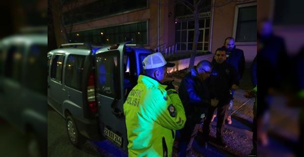Polisleri biçiyordu!