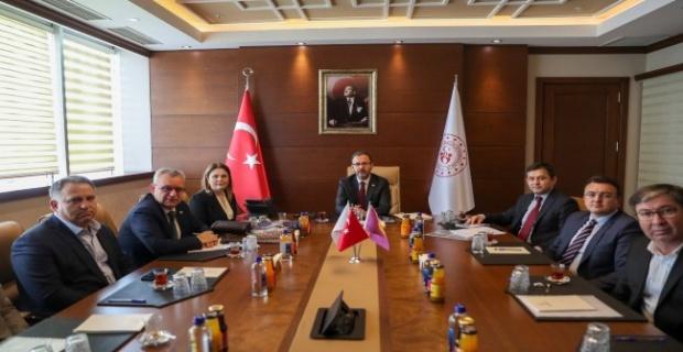 Ankara'dan eli dolu döndü!