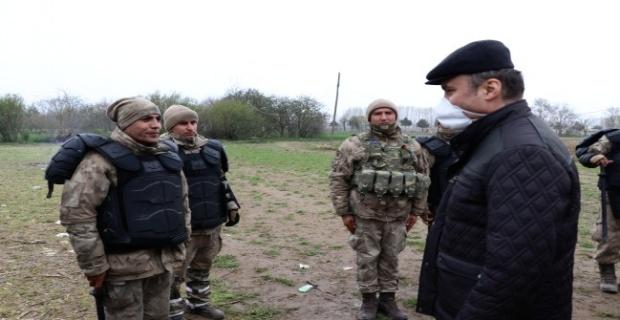 Sınırda görev yapan personele teşekkür etti!