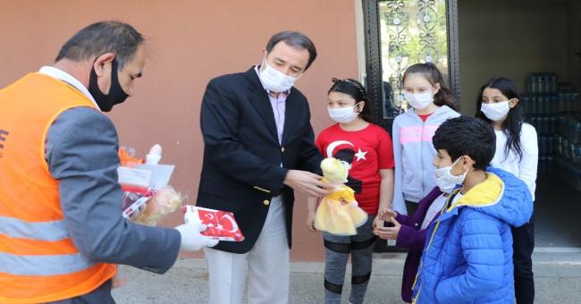 Vefa Sosyal Destek Grubu ekipleri çocukları unutmadı!