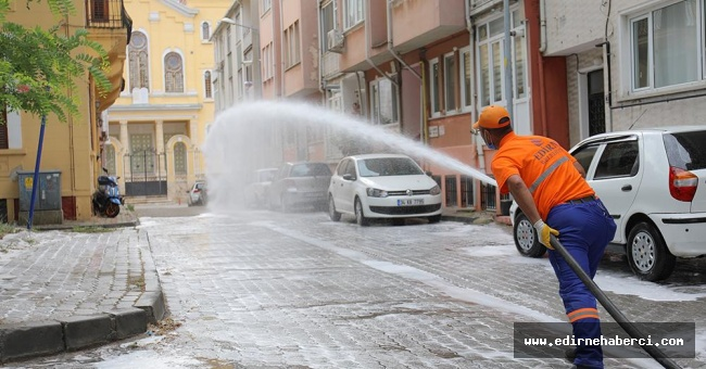 4 günde 2 bin 200 cadde ve sokak dezenfekte edildi!