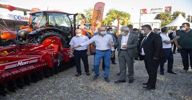 Edirne Kırkpınar Tarım Hayvancılık Gıda ve Sanayi Fuarı,Kovid-19 tedbirleri uygulanarak açıldı.