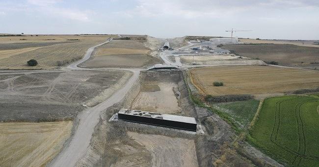 Çerkezköy-Kapıkule demir yolu hattındaçalışmalar yoğunluk kazandı.