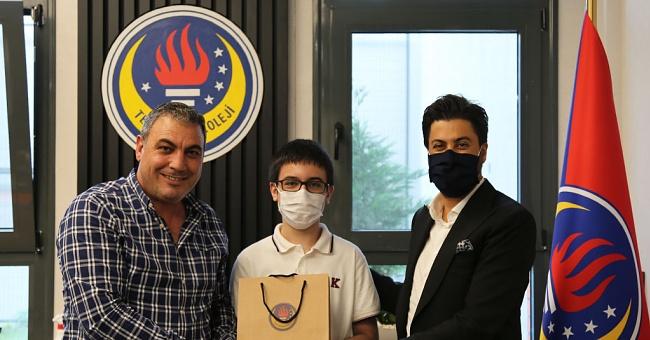 TED Edirne Koleji öğrencisiHasan Barkın Nayır, Edirne 1'incisi ve Türkiye 11'incisi oldu.