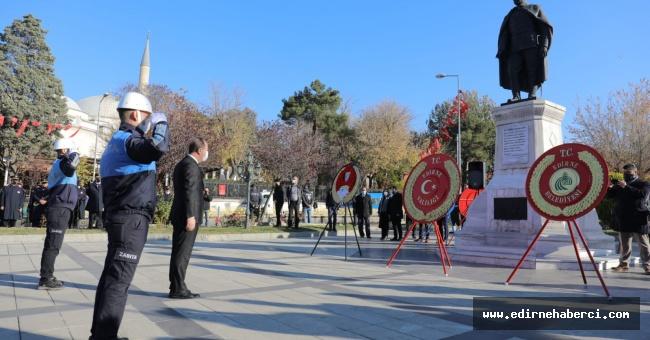Kurtuluş töreni Atatürk anıtın'da gerçekleşti!