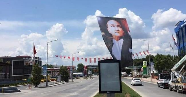 Edirne Atatürk posterleriyle donatıldı!