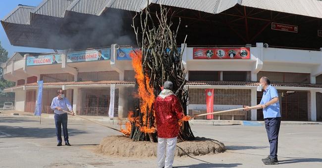 Ertlenen Kakava ateşi yakıldı