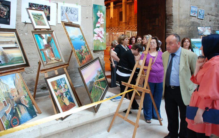 Edirne'de Halk Eğitim Merkezi yıl sonu sergisi açıldı!