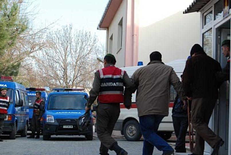 Jandarma bin 950 litre kaçak şarap ele geçirdi