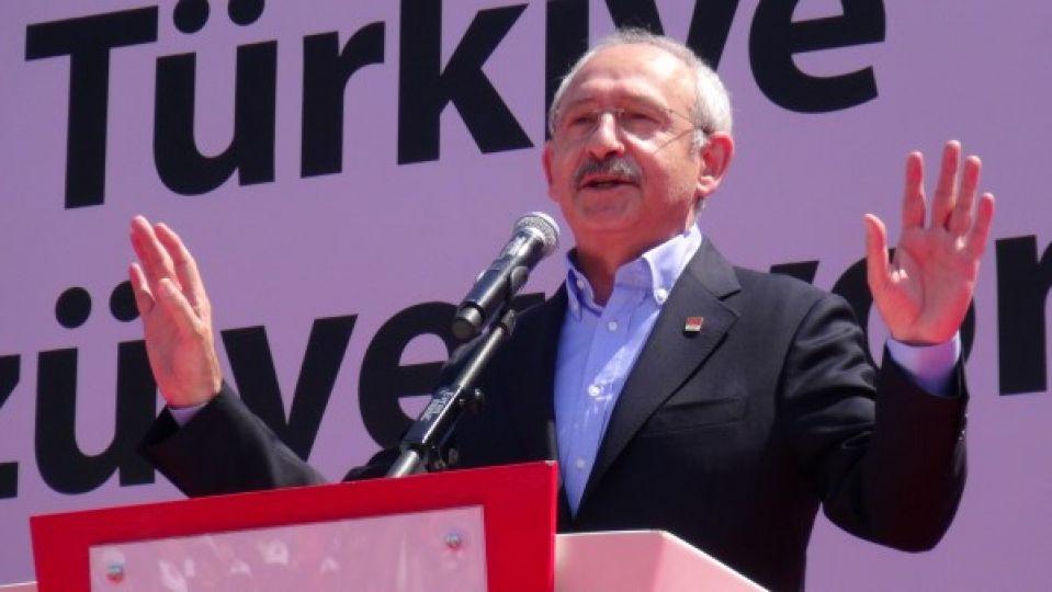 """Kılıçdaroğlu """"Davutoğlu mayosunu giysin gelsin yüzsün!"""""""