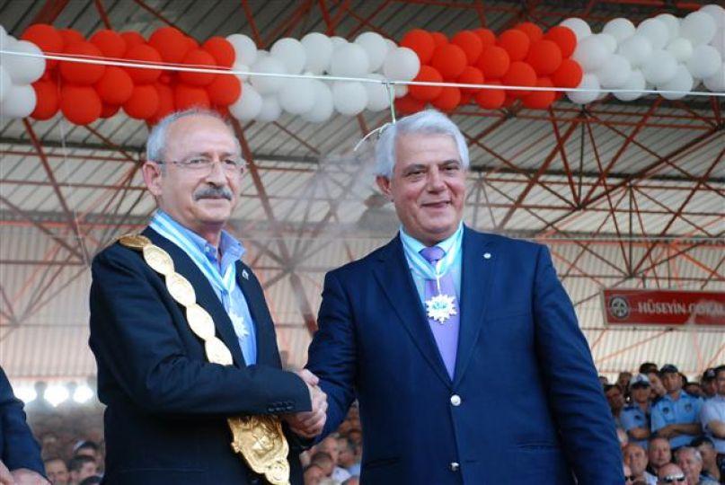 Kılıçdaroğlu'na da taktı!