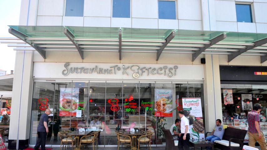 Köftenin adı da tadı da Sultanahmet!