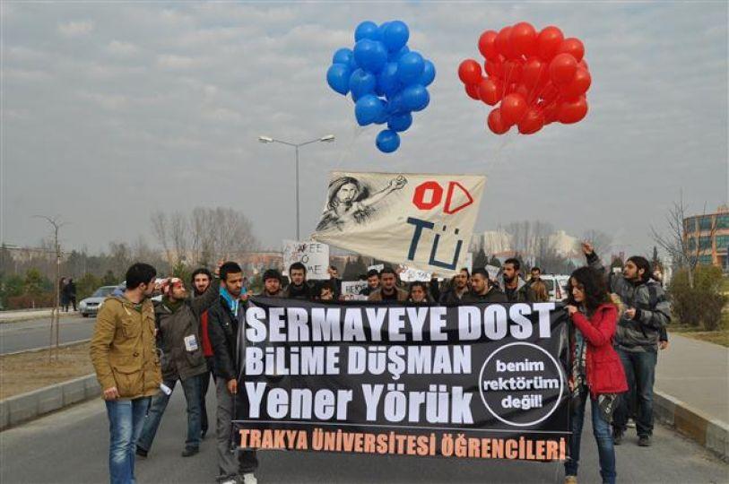 Öğrencilerden Rektöre protesto!