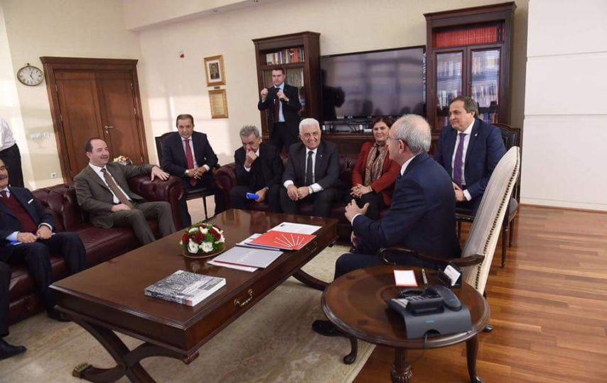 Referandum için CHP Genel Merkezi'ne gitti!