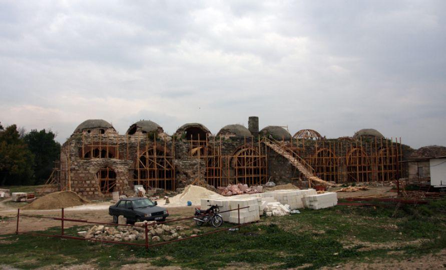 Saraya 51 ton harç enjekte edildi