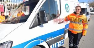 Belediye ambulansına bayan şoför!