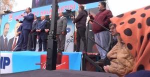 Binler Gürkan'ı karşıladı!