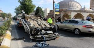 Ters dönen araçta bir kişi yaralandı!