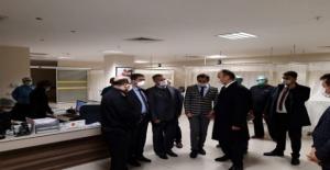 Vali Canalp sağlık çalışanlarını ziyaret etti!