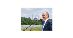 """Vali Canalp """"Yağlı güreş, Türk ulusunun karakterini, gücünü, adaletini ortaya koyan ve tüm dünyaya Türk'ü anlatan bir spor dalıdır!"""""""