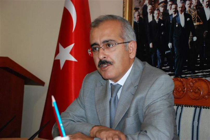 """Vali Duruer """"Atatürk Kurtuluş savaşında kahramanlık destanını yazdı"""""""