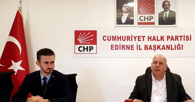 CHP; Valiliğin afiş kararını merak ediyor?