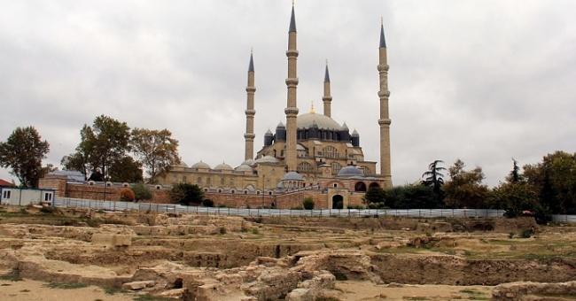 Selimiye meydan sorunu çözüldü!