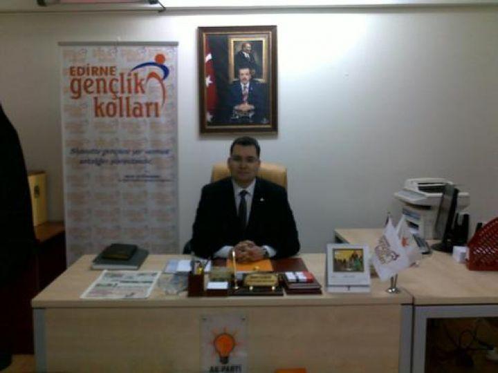 AK Parti'den üniversitelilere rehberlik hizmeti