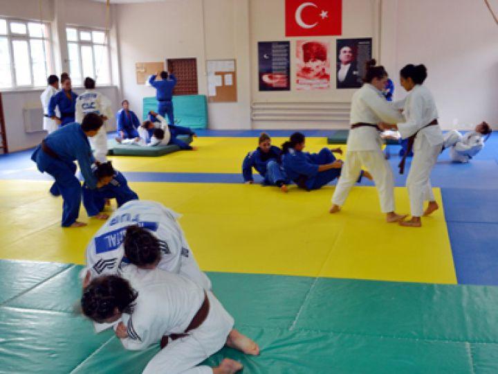Judo Genç Bayan Milli Takımı Edirne'de kampa girdi!