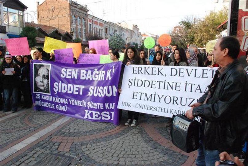 Kadına yönelik şiddet protesto edildi!