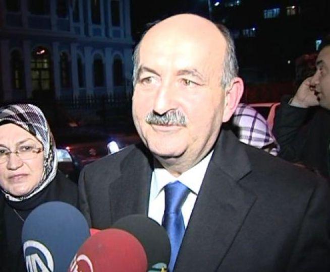 Müezzinoğlu Sağlık Bakanı oldu!