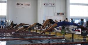 Türkiye Paletli Yüzme Bireysel Açık Yaş Kış Şampiyonası tamamlandı.